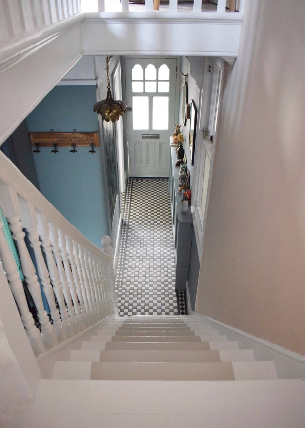 DIY Guide Sanding Painting Floors with Farrow Ball Modern Eggshell floorpaint Railings, White and Shadow white (1)
