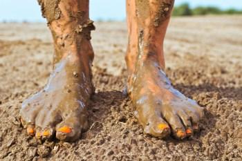muddy feet to ground you