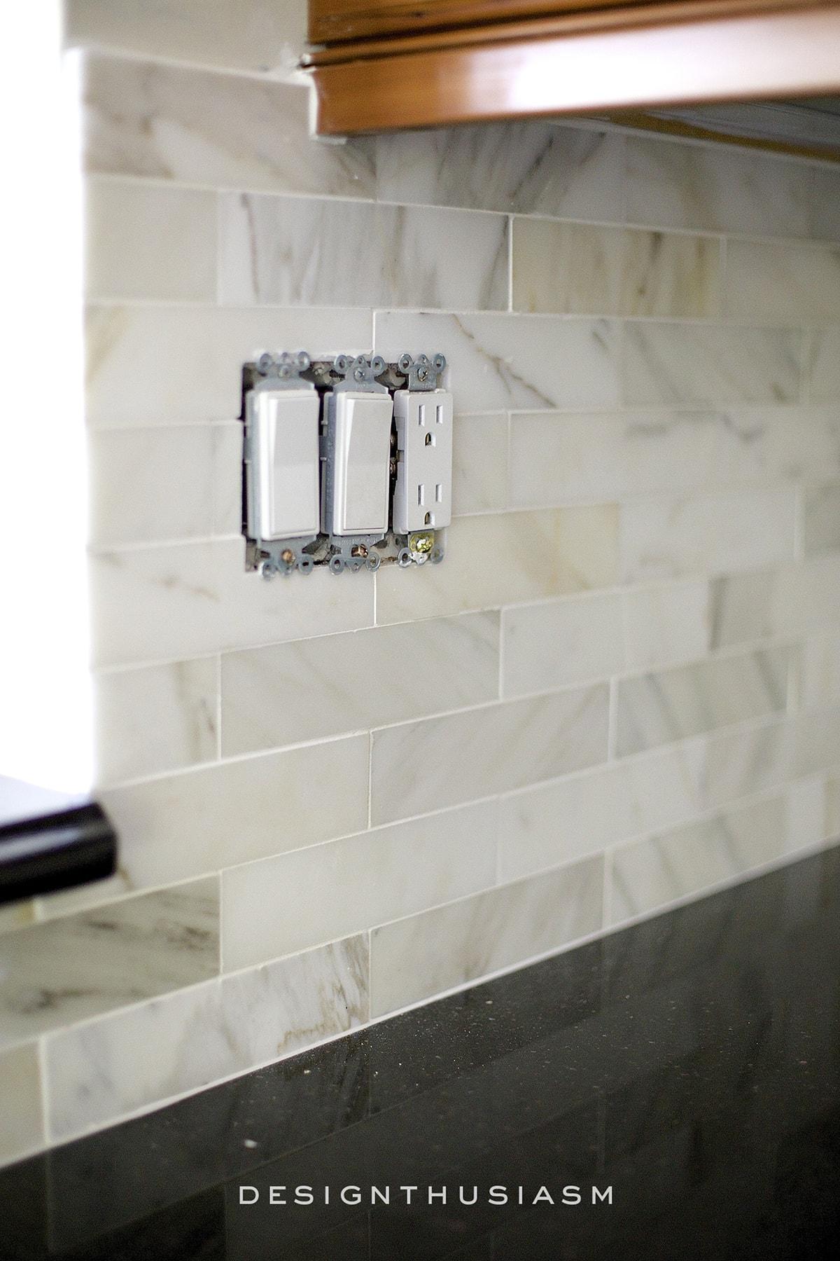 using elegant kitchen backsplash tile