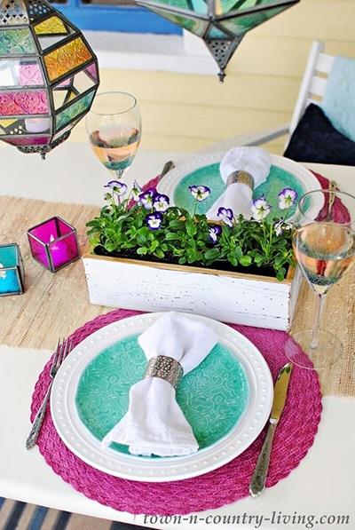 Spring-Porch-Dining