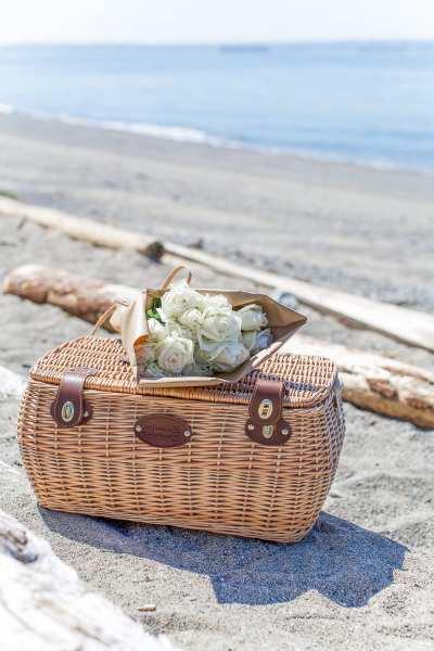 beach-picnic-somuchbetterwithage-101