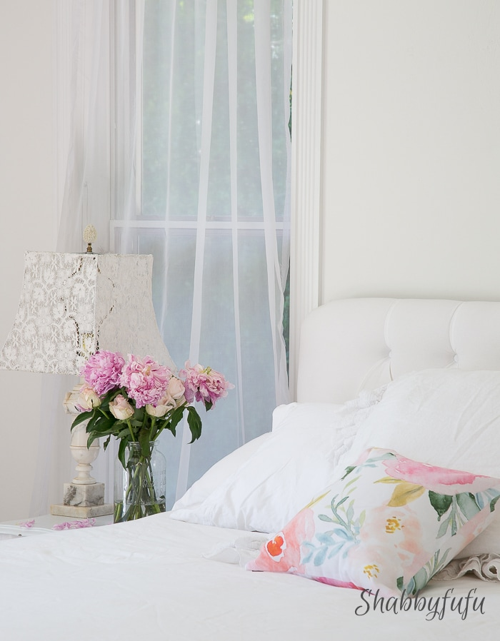White-bedroom-decorating-summer-shabbyfufublog