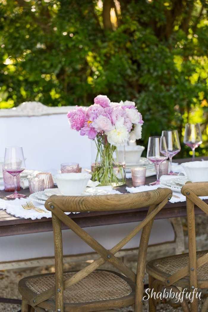 mothers-day-table-setting-outdoors-shabbyfufu
