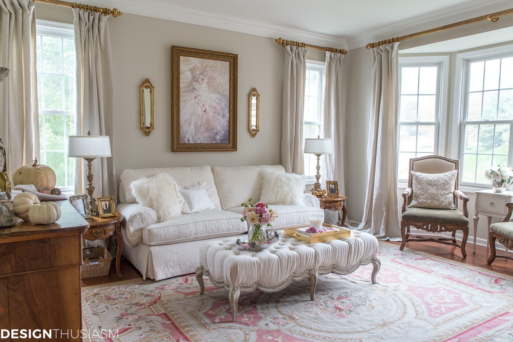Contemporary French Style Living Room Novocom Top