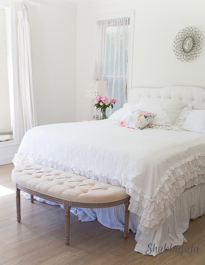 White-bedroom-decorating-summer-shabbyfufublog