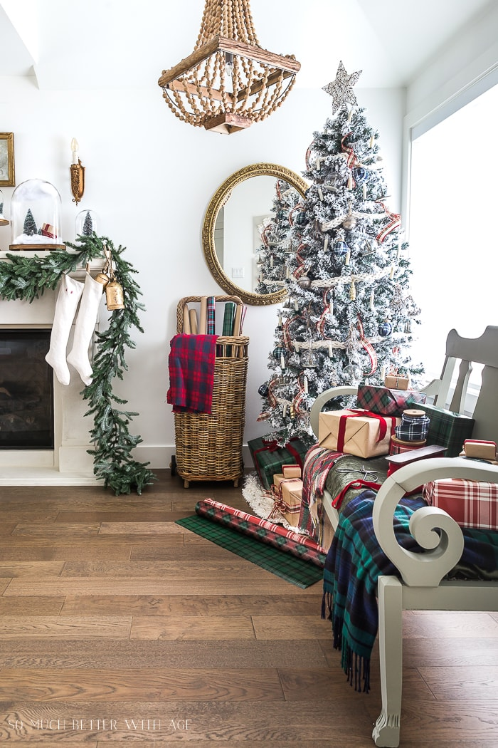 plaid-christmas-decor-french-vintage