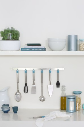 Accent-Line-Dark-Mint-Mood-Wallrail-Kitchen-Tools-02