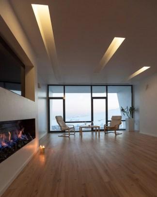 three-views-a-house-new-wave-architecture-mosha-house-tehran-iran_dezeen_936_12