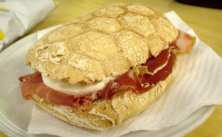Florencee sandwich prosciutto cheese