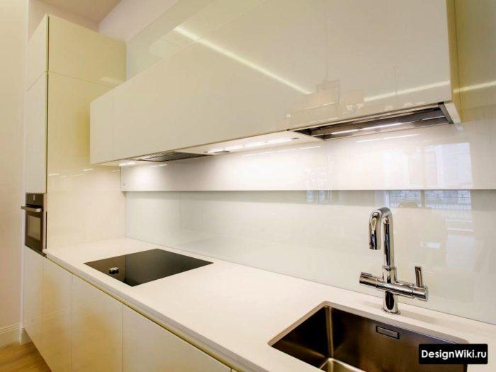 Köksdesign med minimalism vardagsrum