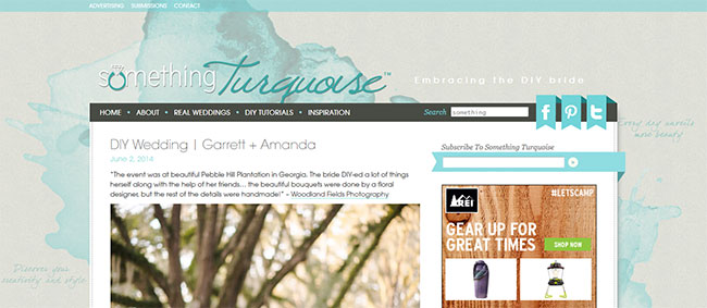 More watercolor splashes for this blog's background. Simple yet beautiful!