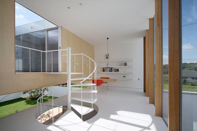 1 750x499 House in Sakuragaoka by Atelier Yoritaka Hayashi Architects