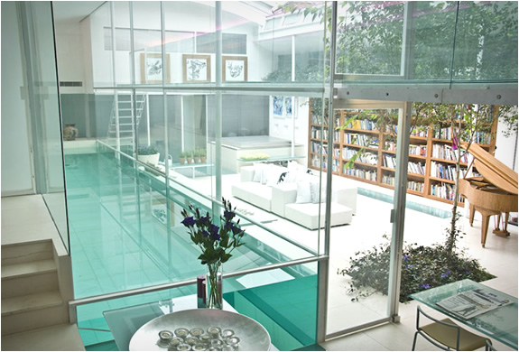 Custom Pool Indoor Glass Swimming Pool in London, UK