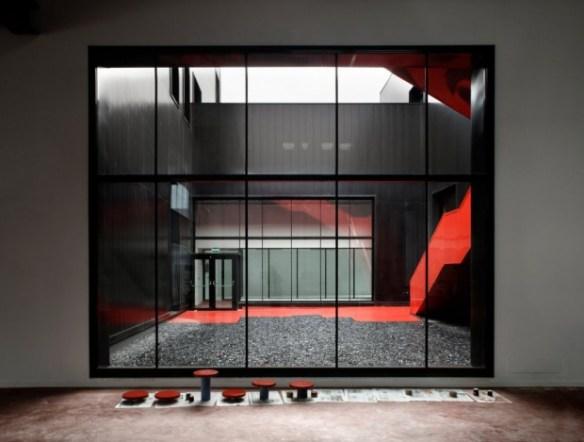 i1a143 Fundación Metal [Slab], All Black Metal Building