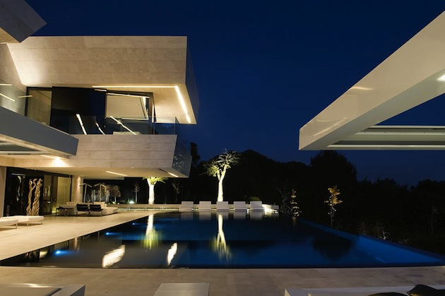Remarkable Marbella House in Puerto Ban  s by A cero Architects
