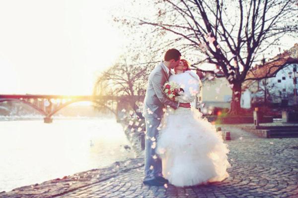 46114b4ca72aeaddd5a59b6811ccfa62 Winter Wedding With Rice Butterflies