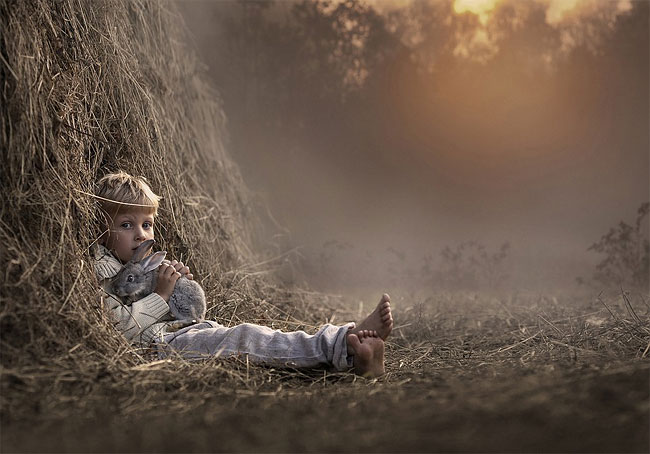 3114 Mothers Intimate Photographs Capture Her Sons Special Bond with Animals