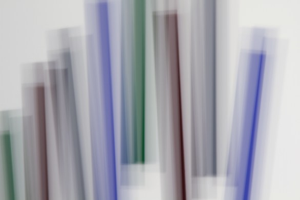 «Fading Icons (d'après «Bi-sériel vert-bleu » de Guido Molinari) », 2012, photographie (impression au jet d'encre sur papier chiffon), 94 x 127 cm
