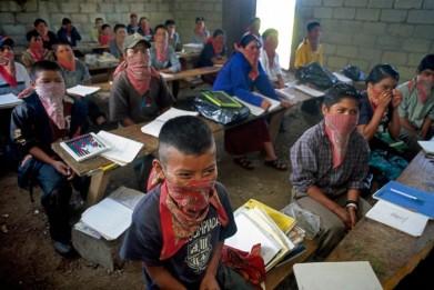 zapatistas ninios en escuela