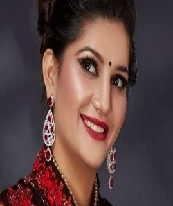 Sapna Choudhary News - Sapna Chaudhary's Photos In Traditional Outfit, Said- No One Has Seen My Blisters_Pic Credit Google