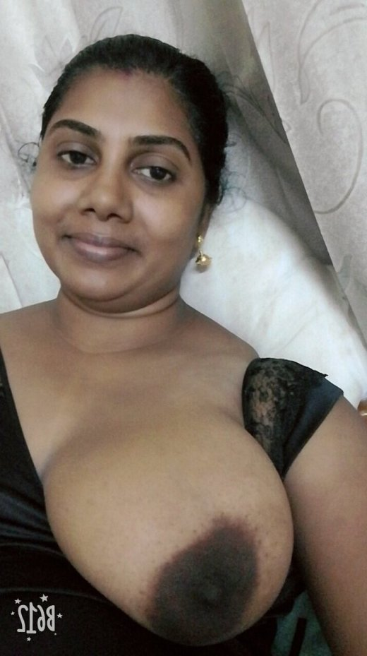 Chennai Wife ki Bade Boobs Selfie