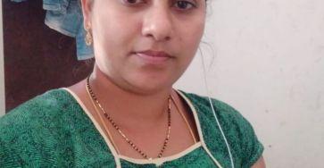 Marathi Aunty ki Boobs & Chut Pics