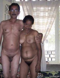Chudai pics Tamil Biwi sex with Govt officer