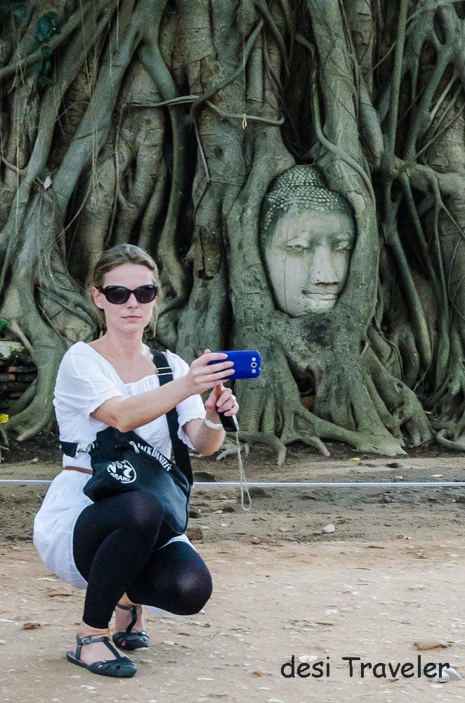 Buddha Head Tree Root Thailand (1)