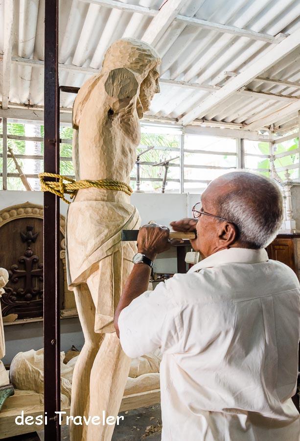 Making Jesus Statue Wood
