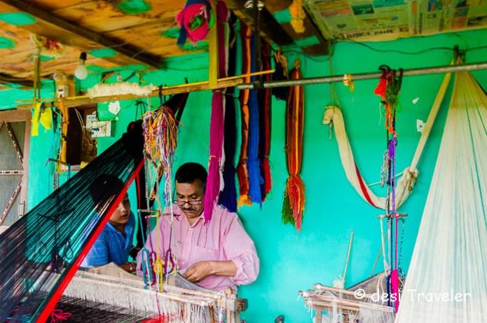 weaver in Himachal Pradesh naggar