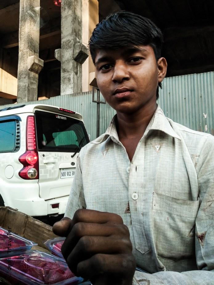 oppo f1 a street vendor mumbai