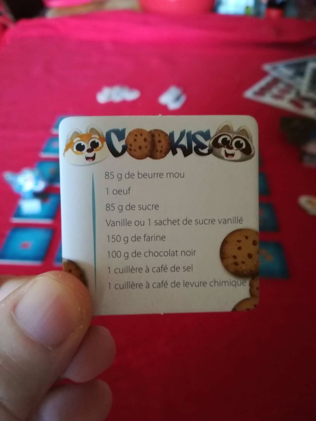 Une tuile offre une recette de cookies