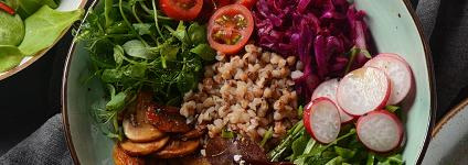 photo-salade-composee-poke-bowl-chaudron-salade-restaurant-bois-doingt