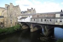 Een brug over de Avon