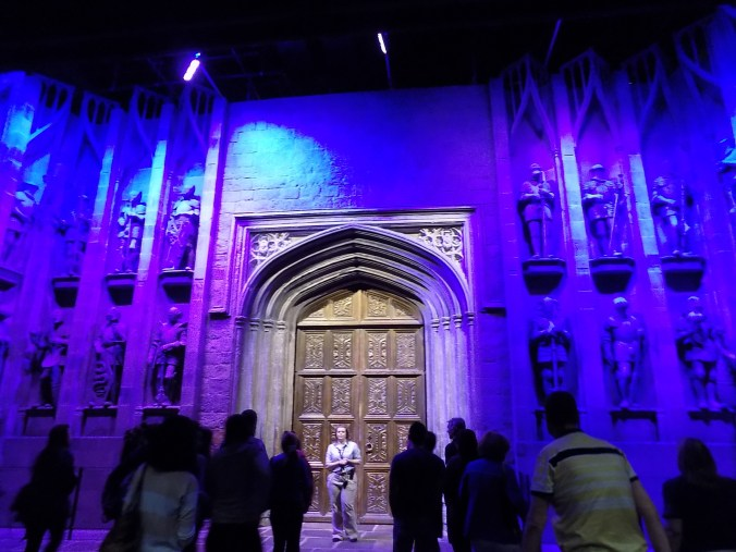 Photos des portes de Poudlard, aux studios Harry Potter à Londres