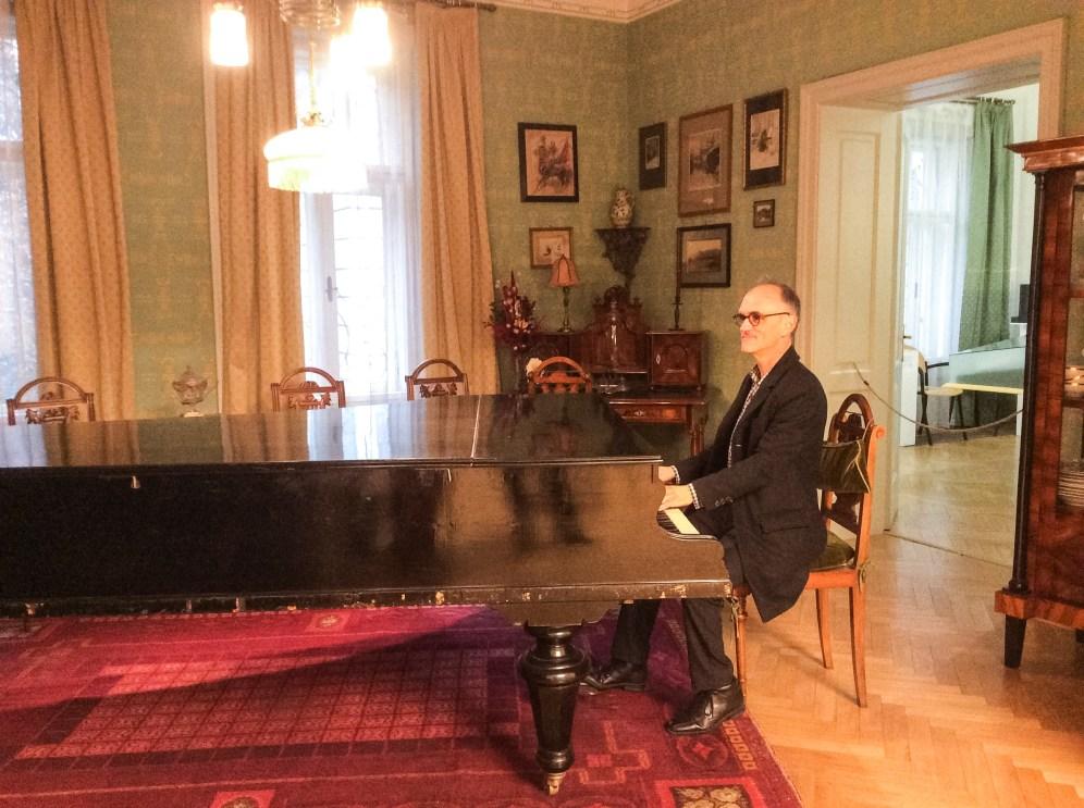 Maestro Neely at Janáček's piano