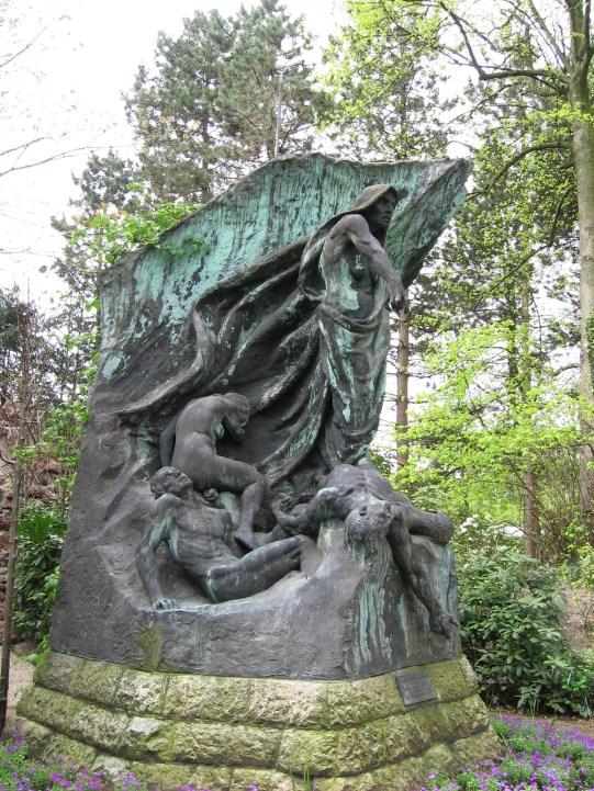 palacio-lapaz-onu-lahaya-escultura-blog-desmontando-a-babylon-wordpress