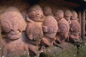antiguo-templo-maori-en-la-bahia-de-taiohae-bay-en-la-isla-n