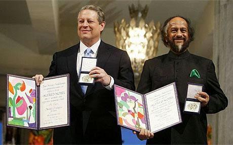 Al Gore y el entonces Director del IPCC de Naciones Unidas, reciben el Premio Nobel por la Paz, en 2007