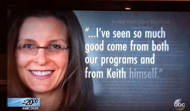 """Clare Bronffman hablando de NXIVM y su líder, Keith  Raniere. """"...He visto mucho bien venir desde nuestros programas (NXIVM) y desde el propio Keith."""""""