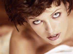 milla jovovich breasts