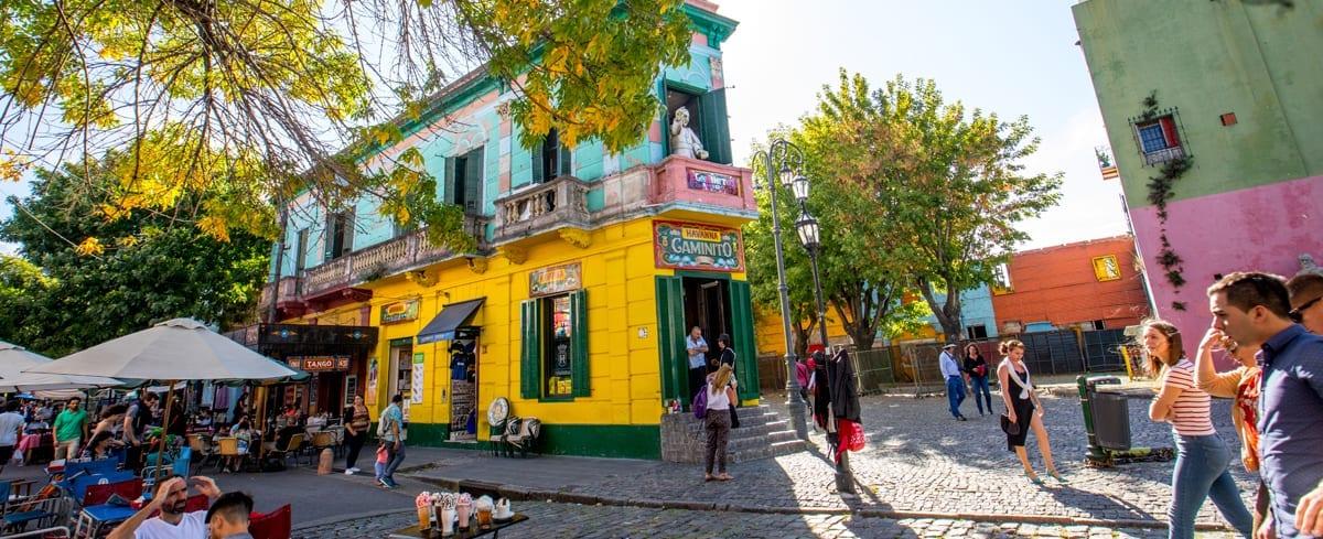 La ciudad tiene más de 50 visitas, en inglés, portugués y español, para que disfrutes de Buenos Aires.