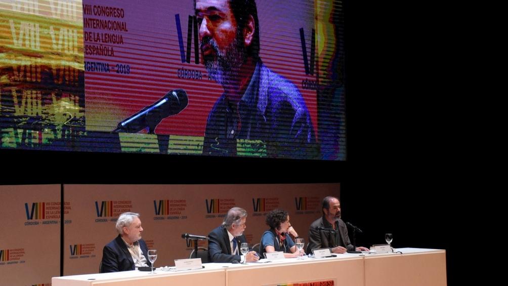 """1553969792 460 Juan Villoro Hay que buscar modos de desmasculinizar el lenguaje Télam - Juan Villoro: """"Hay que buscar modos de desmasculinizar el lenguaje"""" - Télam"""