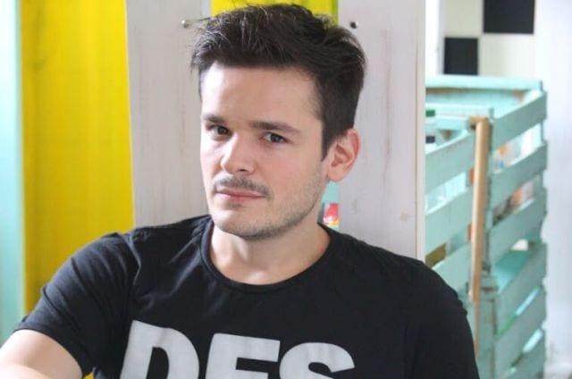 """Entrevista a Julián Belleggia: """"El teatro independiente es crear, explorar y amar lo que hacés"""" por Fran Vidal"""