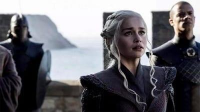 5bdc438036910 400x225 - Los productores de Game of Thrones verán el final en un lugar oculto - Télam