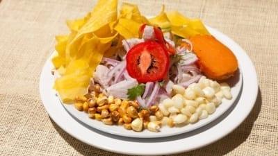 5cd1bda7361eb 400x225 - Cinco platos que no hay que dejar de probar de la cocina peruana - Télam