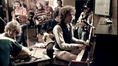 5cf66b38db5c6 400x225 - Netflix lanzó un documental de Scorsese sobre la mítica gira de Bob Dylan en los '70 - Télam