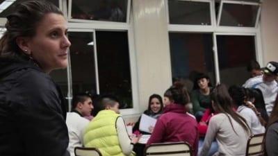 """5cf97deb9015a 400x225 - """"La escuela contra el margen"""": discriminación e inclusión en barrios marginados - Télam"""
