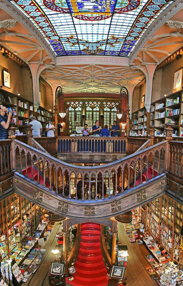Livraria Lello e Irmão Porto Portugal