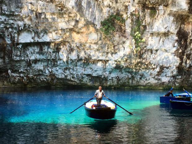 Melissani Lake Kefalonia Grecia